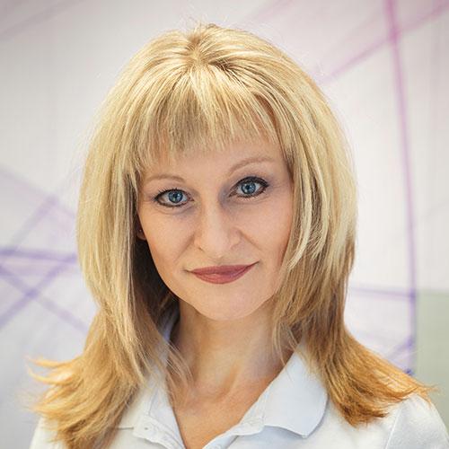 MUDr. Nikola Papoušková